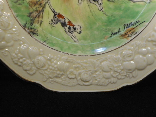 Crown Ducal Florentine Hunt Scene Plate 2 Horsemen with Hounds Signed 10 1/2""