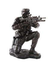 America's Finest Brave Soldier Military Heroes Collectible Figurine - £21.95 GBP