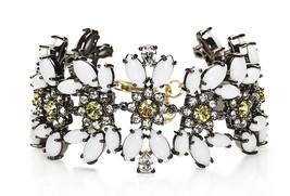 Juicy Couture Gold White Daisy Gemstone Drama Black Label Bracelet YJRU7... - $854,35 MXN