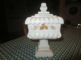 Rare Hand Painted Westmoreland Leaves & Grapes Milkglass Pedestal Covered Dish - $39.55