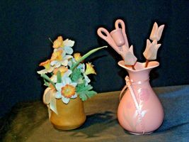Beautiful pair of hand painted Vases with Flowers AB 54b Vintage image 3