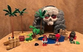 Playmobil Pirate Island lot people ghost island skull carry case 5804 - $38.50
