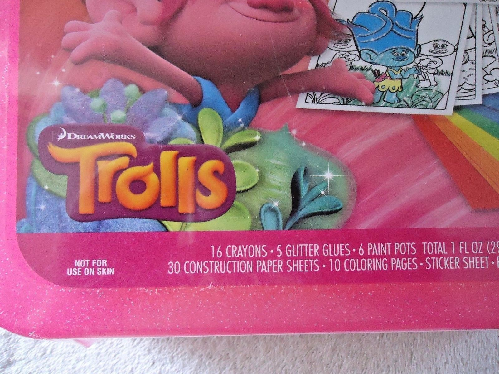 """Crayola """" NIP """" All That Glitters Trolls Coloring & Paint Kit In Plastic Case"""