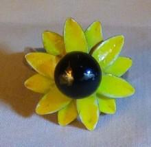Vintage 1960s Black Eyed Susan RING Yellow & Brown Painted Metal Flower ... - $10.00
