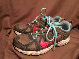 (USED/WORN) NIKE ALVORD 8 WOMENS SIZE 9.5 RUNNING SHOES GREY PINK BLUE - $34.64