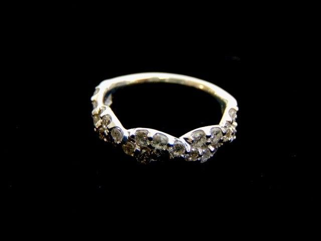Women's 14K White Gold Diamond Braided Ring 3.9g E3513