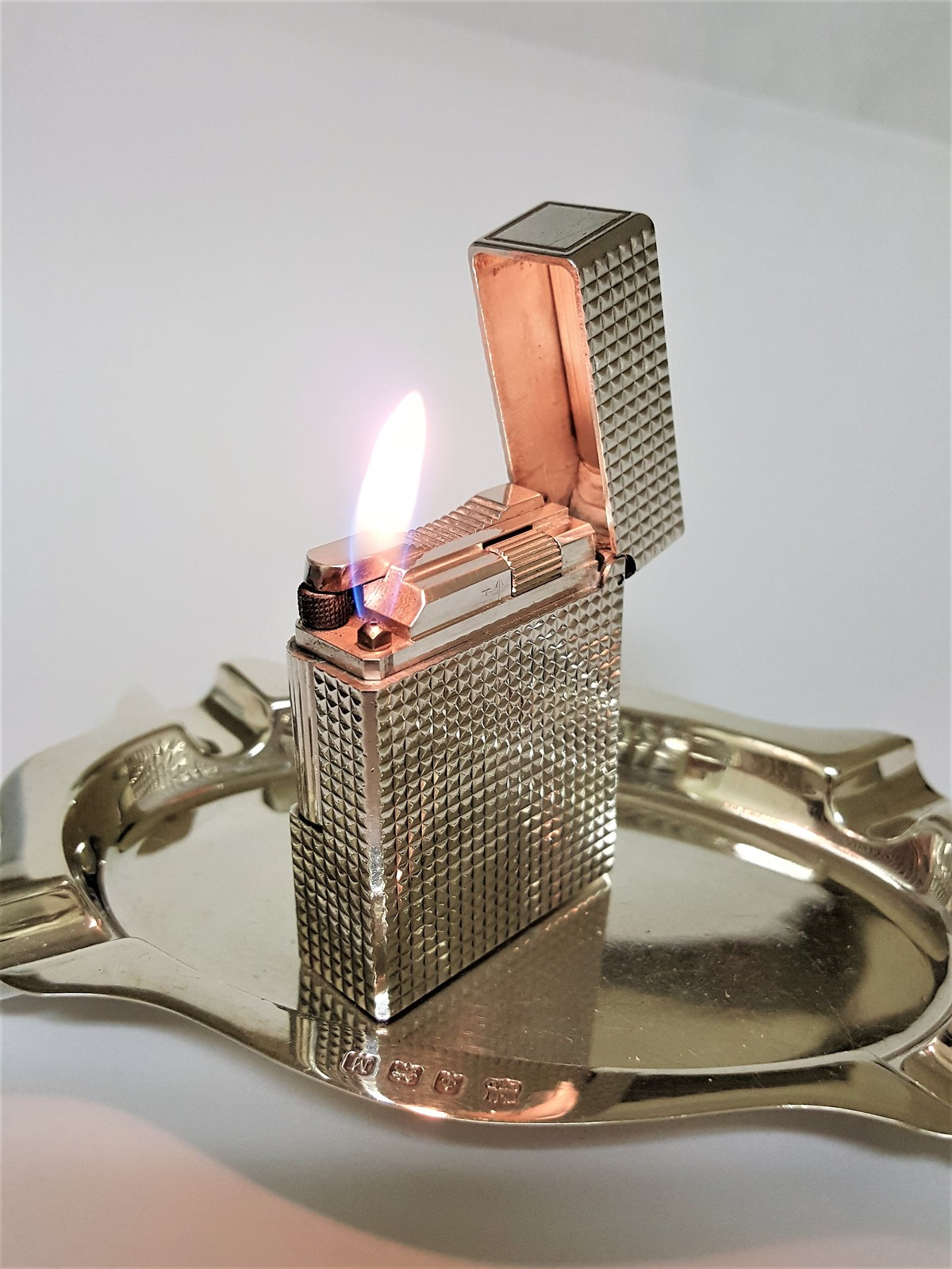 S. T DUPONT LIGHTER ~ SILVER DIAMOND HEAD ~ LINE 1 ~ SMALL ~  EXCELLENT !!!