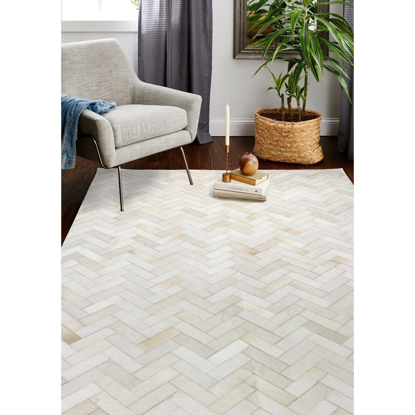 Primary image for Bashian Santa Fe Hand Stitched Chevron Cowhide Rug Cream 4' x 6'  H112-H12