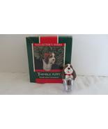 Christmas Hallmark Keepsake 1989 Thimble Puppy Ornament - $6.79