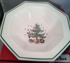 Very Pretty NIKKO Christmastime Vegetable Bowl Made in Japan - $12.69