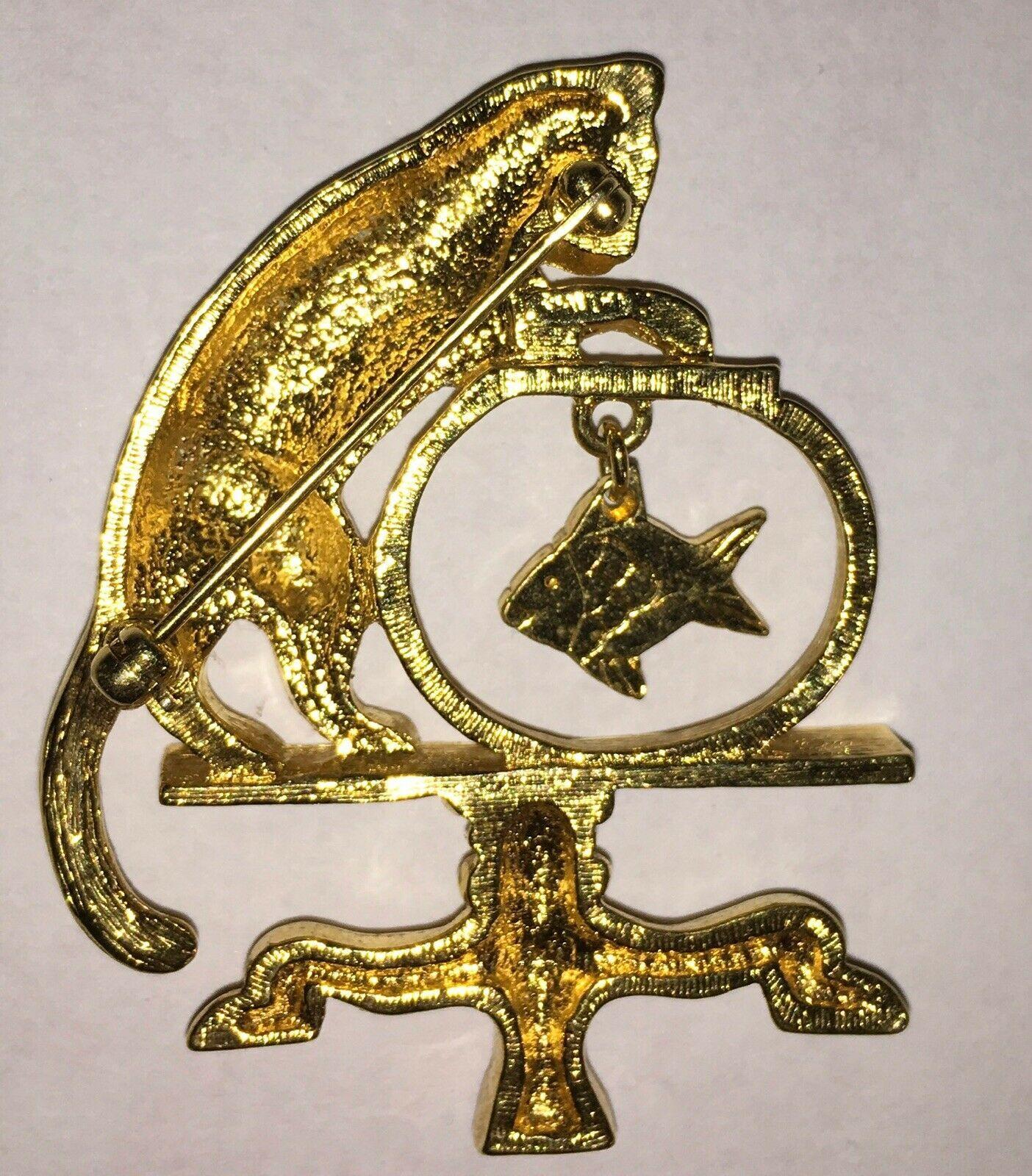 Vintage Avon Brooch Pin Cat Gold Fish