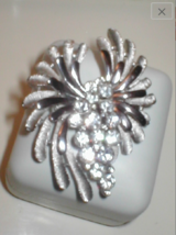 Rare 1950's Vintage Signed Trifari Crown Rhinestone Brooch Pin - $44.50