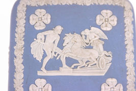 Wedgwood Blue Jasperware Square Ulysses Classical Chariot Race Trinket Box B12 image 3