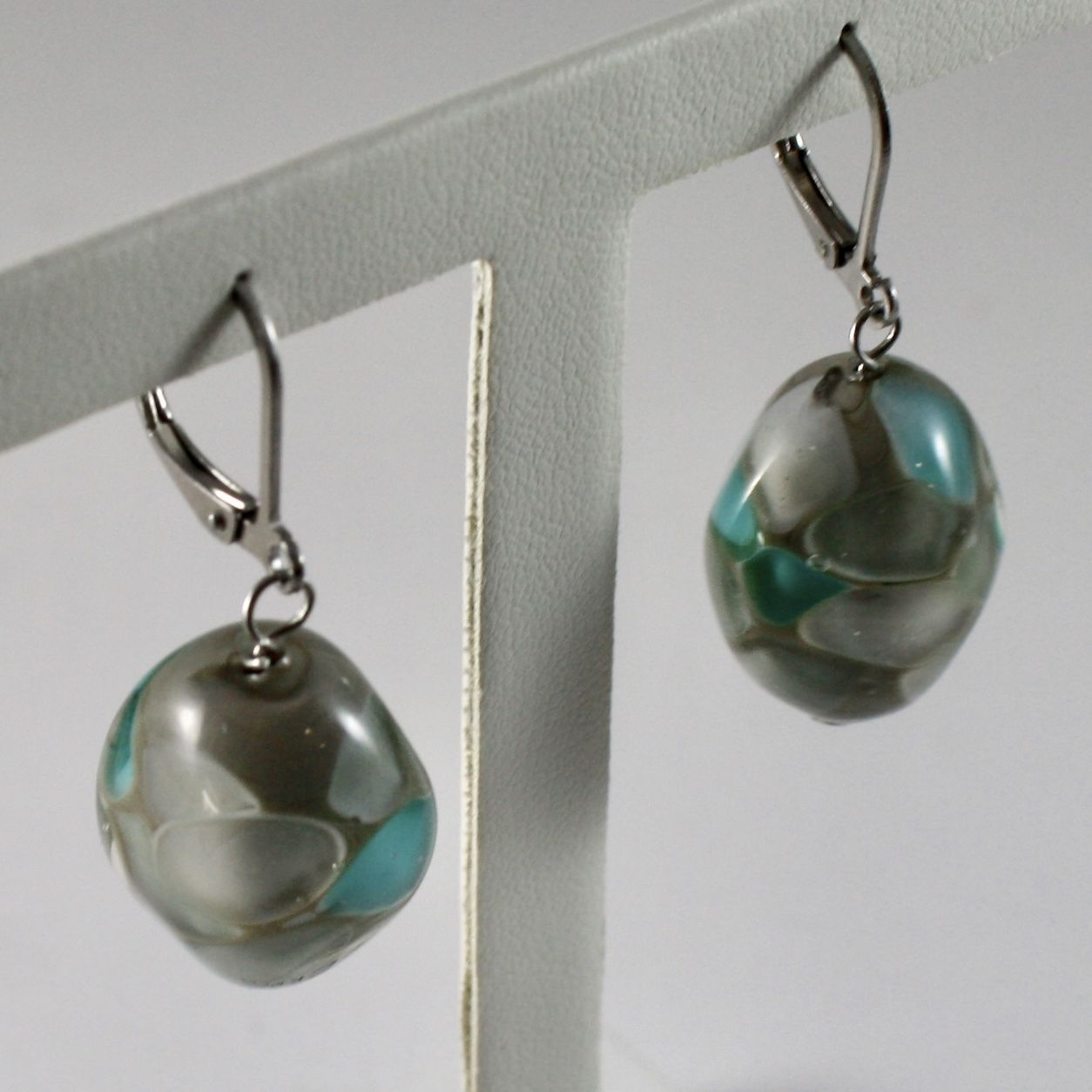 ANTICA MURRINA VENEZIA COLLECTION EARRINGS WITH MURANO GLASS BEADS, GREEN GRAY
