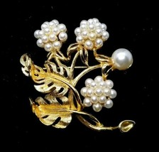 Gorgeous Lisner Brushed Gold Tone Floral Brooch with Faux Pearl - $25.74