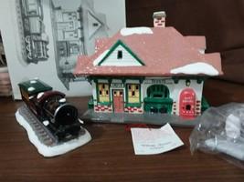 Dept 56 Original Snow Village 1988 VILLAGE STATION AND TRAIN 4 Pc 51225 ... - $39.95