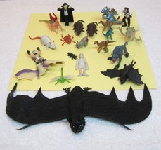Lot of 21 Older Creepy Animals & Horror Movie People Dracula Bats Weredo... - $18.32