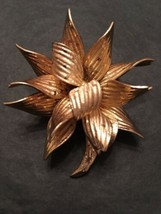Vintage Grosse Germany 1966 Large 3D Figural Flower Brooch Pin Gold Tone Jewelry - $42.49
