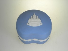Wedgwood Jasperware Cream on Lavender Bean Box With Lid St. Paul's Cathe... - $18.66