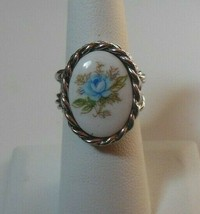 Signed Sarah Coventry Porcelain Floral Ring Size 6 - $22.28