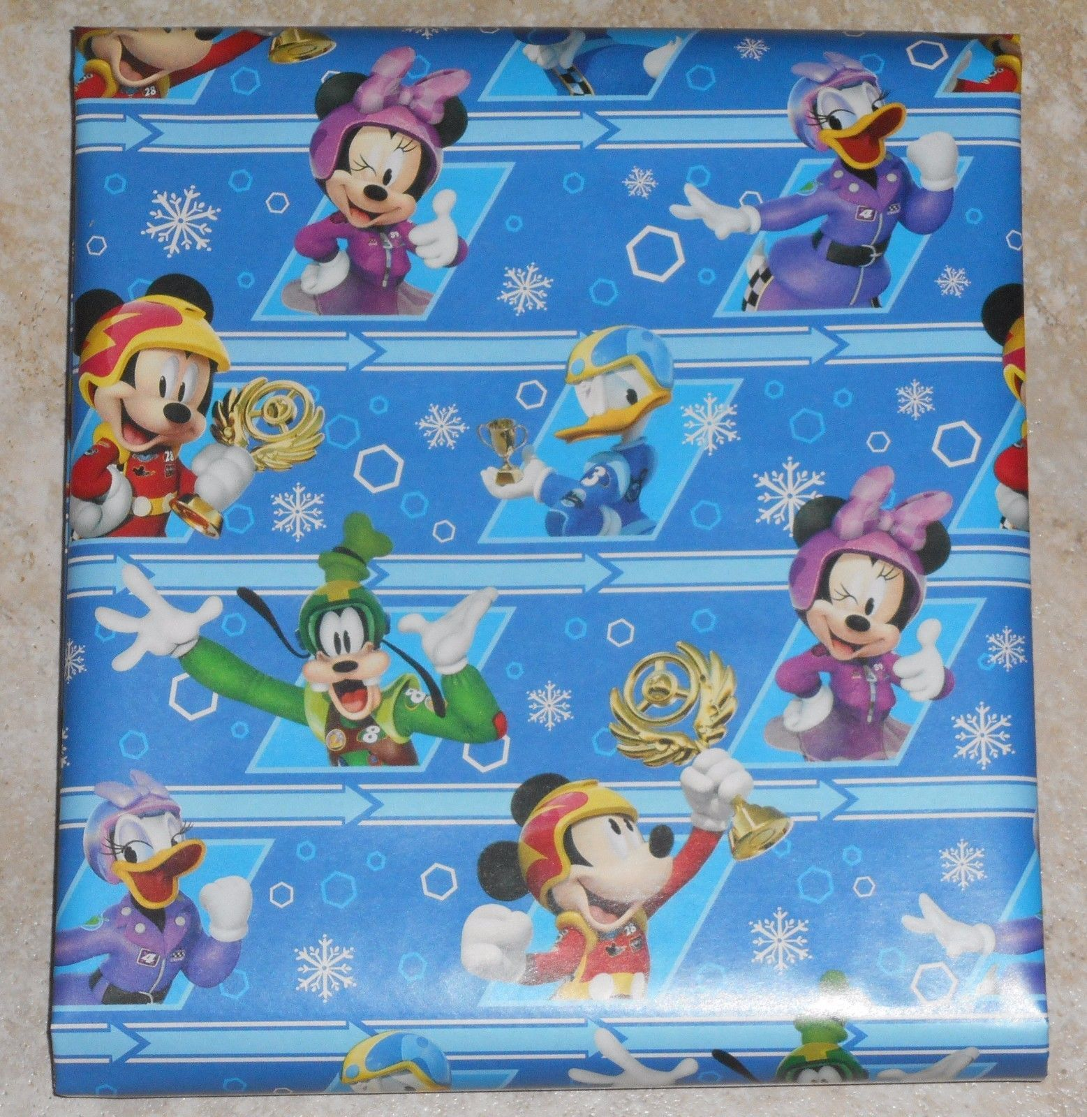 s l1600 s l1600 disney am greetings mickey mouse goofy christmas wrapping paper