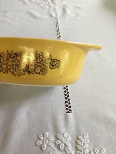 Vintage Pyrex #043 Golden Rosette Garland 1.5 Qt Oval Casserole Dish Yellow Gold
