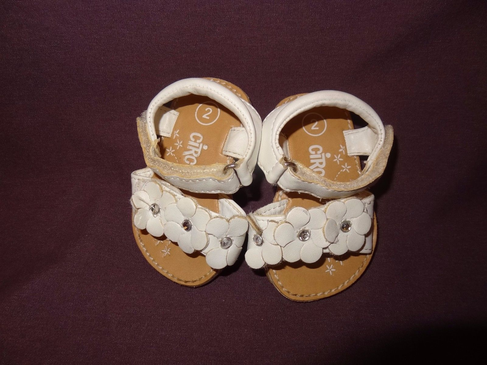 52543de0ab13 Sandals Shoes White Size 2 or 6 - 9 Months Baby Girls Circo Flowers 2009  Target