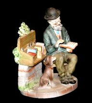 Figurine Man Reading a book as Dog Watches 2432 AA19-1538 Vintage image 3