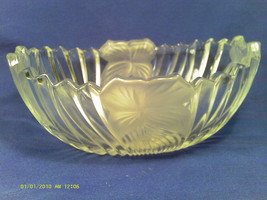 "[Q4] 7"" ETCHED CRYSTAL CANDY DISH - $11.52"