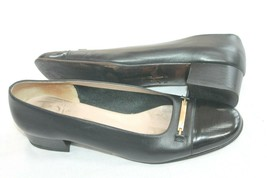 SALVATORE FERRAGAMO BOUTIQUE WOMEN'S BLACK LEATHER PUMP GOLD BUCKLE SZ 9... - €22,91 EUR