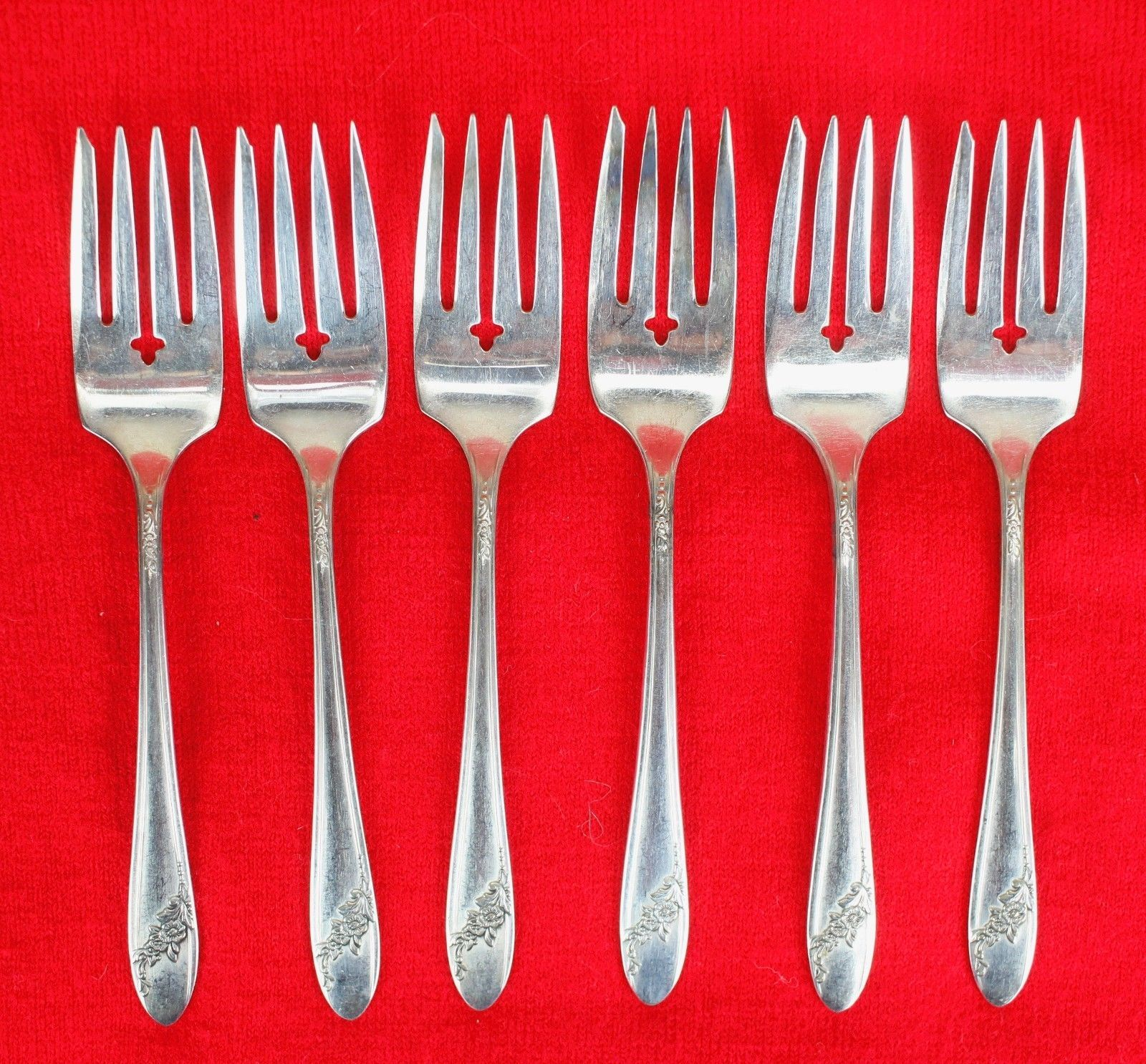 6X Salad / Dessert Forks Oneida Queen Bess II Silverplate 1946 Tudor Flatware