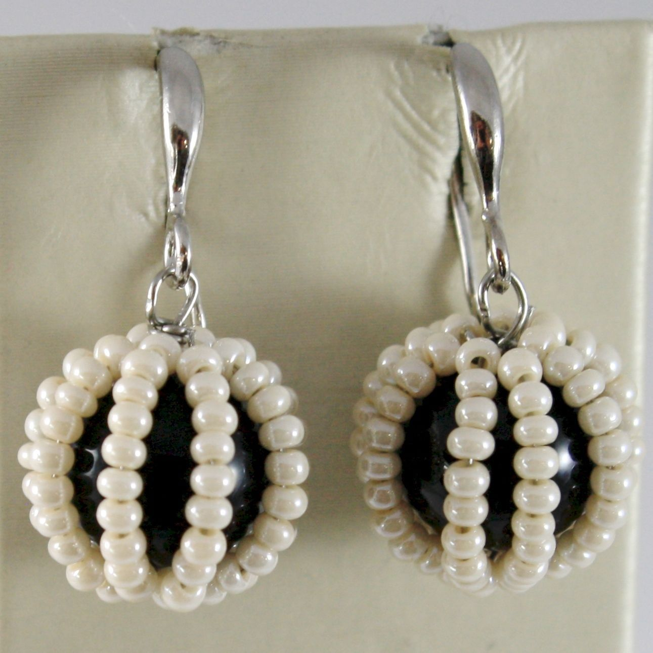 ANTICA MURRINA VENEZIA PENDANT EARRINGS WHITE LITTLE PEARLS & BLACK BALL