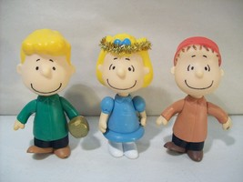 "Lot Of 3 P EAN Uts 3"" Christmas Action Figures Angel Sally Linus Schroeder - $14.65"