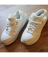 New Balance Women's White Tennis Shoes 8.5 2E Wide Freshly Dry Cleaned N... - $19.99