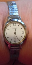 Vintage Carriage Womens Watch Quartz Gold Tone Stretch Band - $6.99