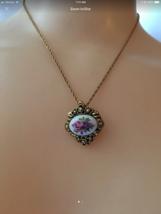 Vintage Avon Flower Cameo Necklace - $28.01