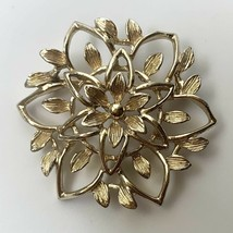 Sarah Coventry Gold Tone Open Flower Brooch Pin Vintage Signed Floral - $14.80