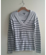 EXPRESS Women's V-neck Sweater Gray Stripes Cotton Blend Size L, Pre-owned - $22.82