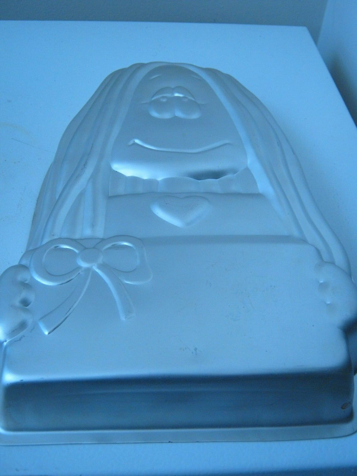Primary image for Wilton Cathy Cake Pan (502-3894)