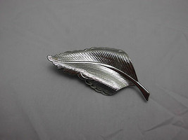 VTG  Large Silver Tone Leaf Pin Brooch  image 2