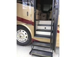 2018 Tiffin Motorhomes PHAETON 40 AH For Sale In Dallas, GA 30157 image 3