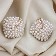 ExquisiteFashion OL Style Women Stud Earrings Pearl - $14.99