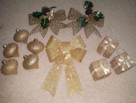 11 Gold Glitter Christmas Ornament & Bow Lot:  3 Presents 5 Teardrop & 3... - $6.52