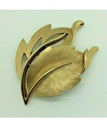 Vintage Crown Trifari Leaves Gold Tone Pin Brooch Costume Jewelry  - $14.84