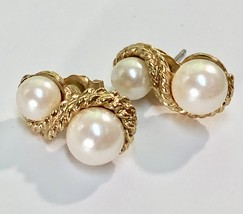 Vintage Pierced Stud Earrings~ 1970s Gold Tone Rope/Pearl Dainty Dressy ... - $32.30