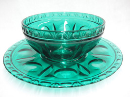 Green Glass Salad Serving Bowl w Underplate Pla... - $49.49