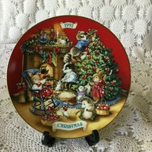 Avon Sharing Christmas With Friend Porcelain Collector Plate 1992 22 K G... - $11.63