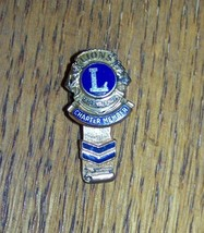 VINTAGE LIONS INTERNATIONAL CLUB CHARTER MEMBER BROOCH PIN BADGE WITH CH... - $14.36