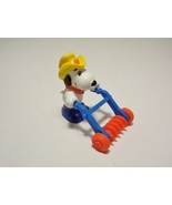 Peanuts Gang Snoopy Action Figure Dog Farmer Straw Hat Hand Plow McDonal... - $4.99