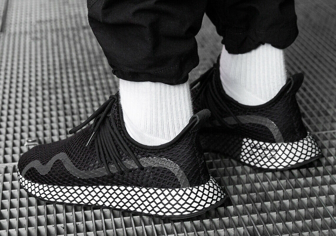 ADIDAS ORIGINALS DEERUPT S BLACK/WHITE SIZE 10 NEW FAST SHIPPING (BD7879)  image 4